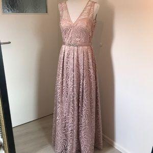 NWOT Eliza J belted blush gown